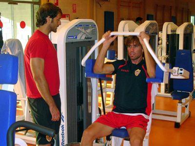 20090916214240-dos-en-gimnasio.jpg