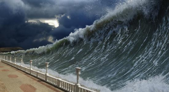 20150823130000-tsunami.jpg